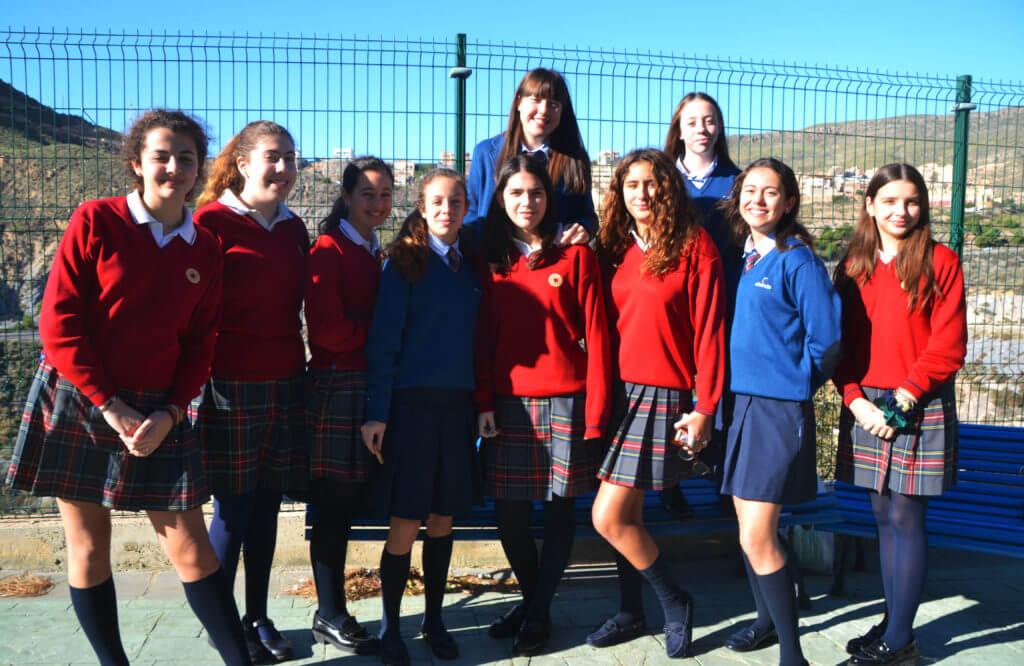 Alumnas del colegio Altaduna-Saladare de Almería que estudian el Diploma Dual.