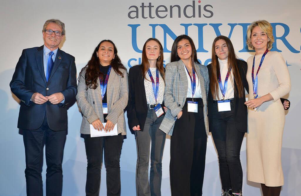 Alumnas de Las Chapas ganadoras del concurso Microtalks de Attendis.
