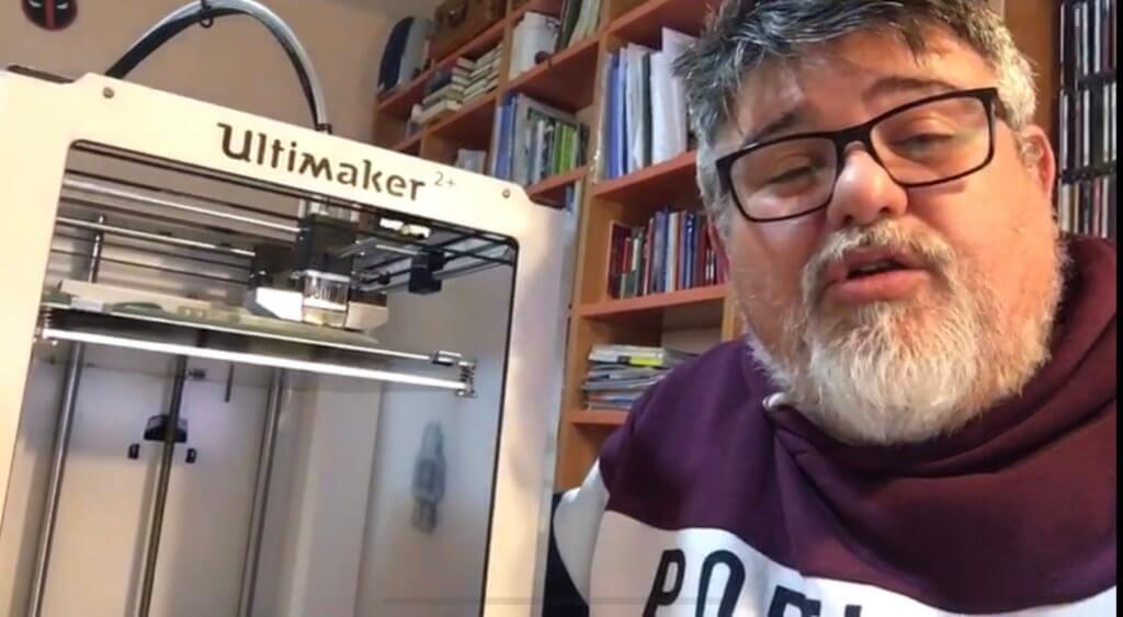 Manuel Mula nos enseña cómo se hacen las máscaras 3D.