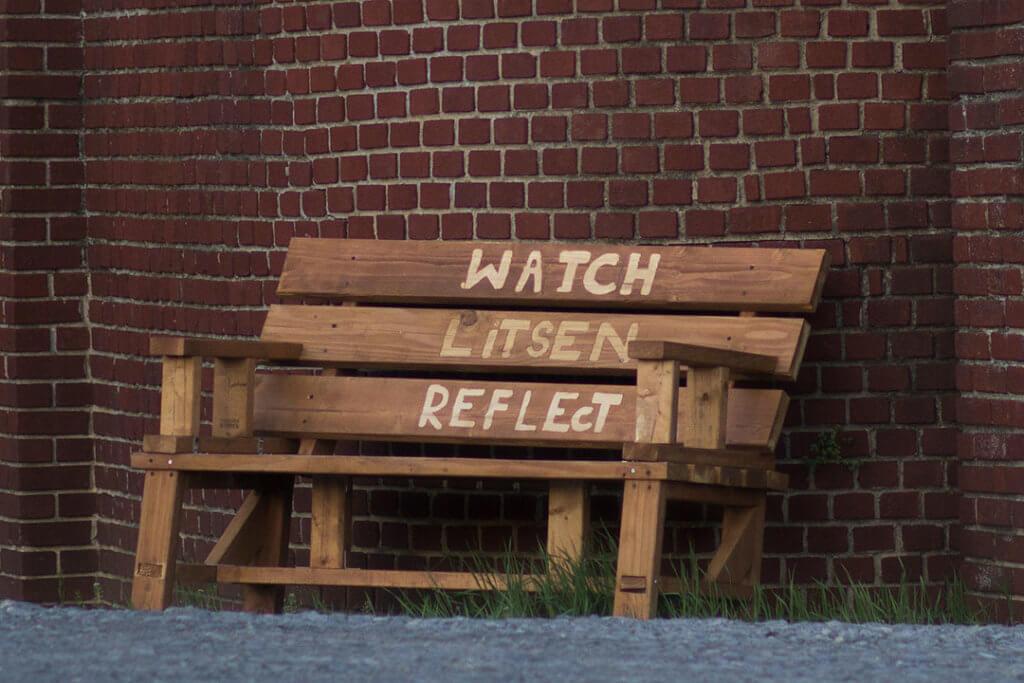 Mirar, escuchar, reflexionar
