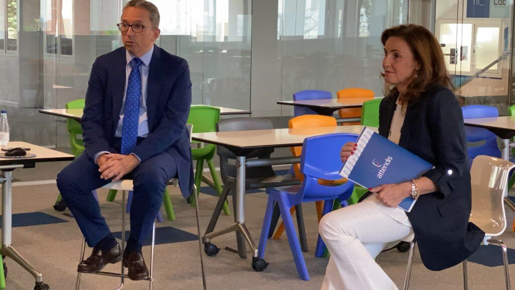 Los directores de Monaita-Mulhacén presentan el nuevo proyecto educativo de Attendis.