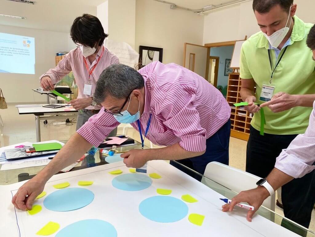 Los profesores de Infantil y Primaria de Monaita-Mulhacén formándose en metodología IB.