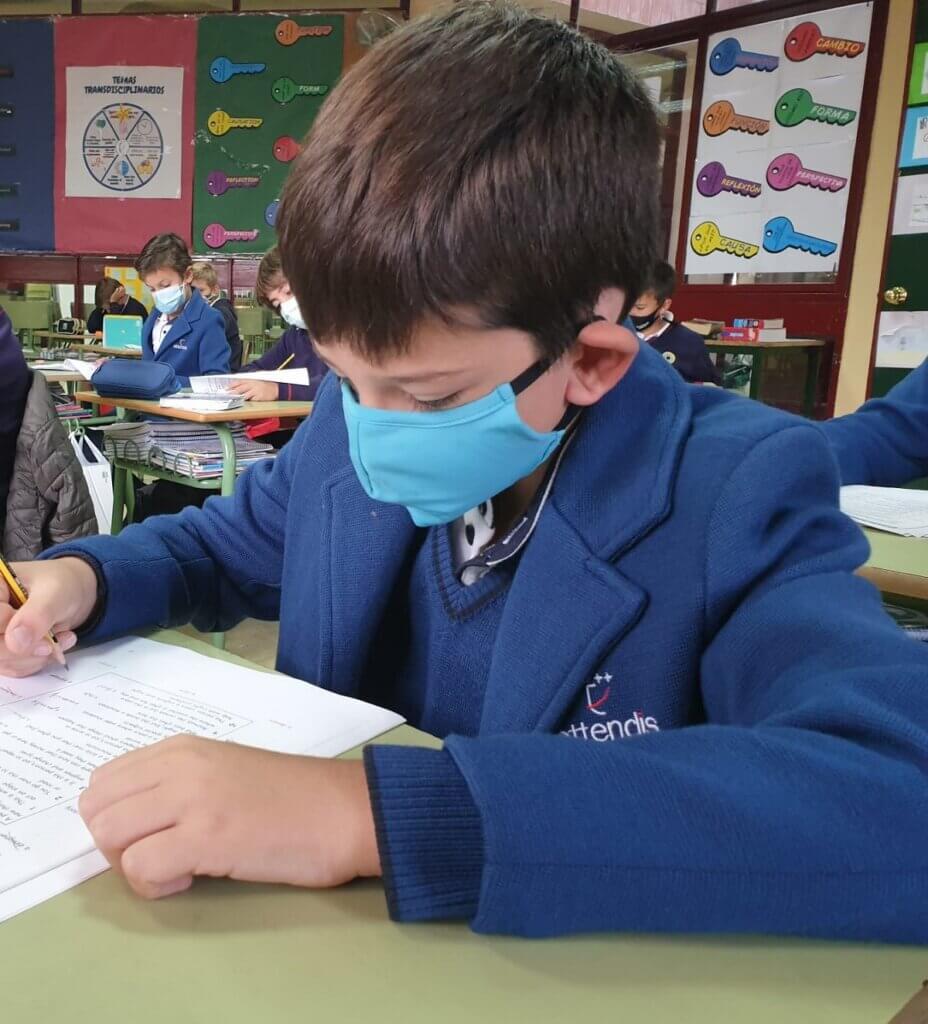 Alumno de PEP4 realizando el Mock Exam