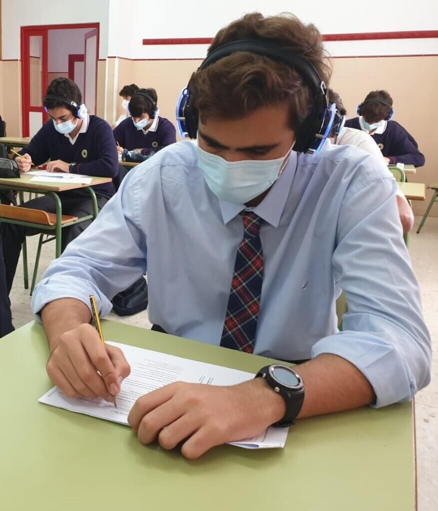 Alumno de Bachillerato de Guadalete realizando el Mock Exam