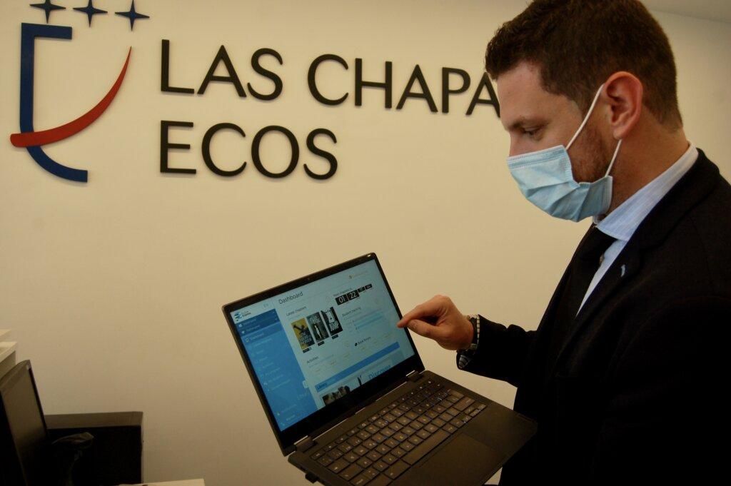 Profesor de las Chapas-Ecos en la plataforma Fiction Express