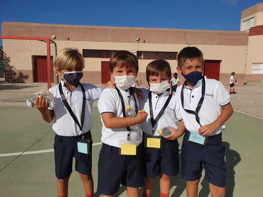 Alumnos PEP 4 en el patio de Guadalete