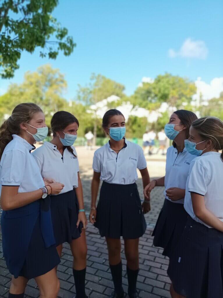 Alumnas de Grazalema el primer día de colegio
